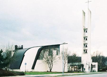 ヴォルフスブルクの教区センター.jpg